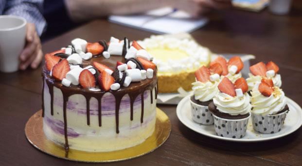 Как печь торты в домашних условиях кремом